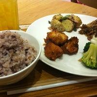 6/2/2012 tarihinde Kentaro O.ziyaretçi tarafından Café & Meal MUJI'de çekilen fotoğraf