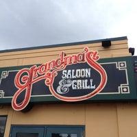 Foto scattata a Grandma's Saloon & Grill da Dennis R. il 6/17/2012