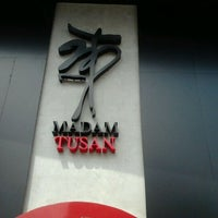 Foto tomada en Madam Tusan por Roxana B. el 5/18/2012
