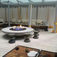 Foto diambil di Rosewood Hotel Georgia oleh Hazel S. pada 6/14/2012
