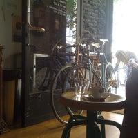 6/1/2012에 Sergio M.님이 Toma Café에서 찍은 사진