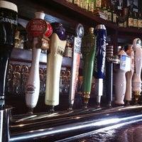 Das Foto wurde bei Mahoney's Pub & Grille von Andrew K. am 4/21/2012 aufgenommen