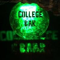 Снимок сделан в College Bar пользователем DIEGO A. 4/5/2012