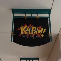 รูปภาพถ่ายที่ Kapow โดย Ryan E. เมื่อ 5/3/2012