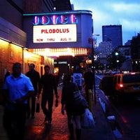 Das Foto wurde bei The Joyce Theater von Aaron K. am 7/21/2012 aufgenommen
