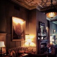 Das Foto wurde bei The Oxford Hotel von Aaron W. am 7/26/2012 aufgenommen