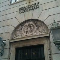 Снимок сделан в Bergdorf Goodman пользователем M B. 4/14/2012