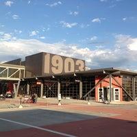 Das Foto wurde bei Harley-Davidson Museum von Steve P. am 6/23/2012 aufgenommen