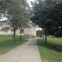 Das Foto wurde bei Castle Island von Kelle T. am 8/5/2012 aufgenommen