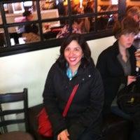Photo prise au Paul's Place Omelettery Restaurant par Vanessa A. le2/10/2012