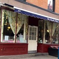 3/15/2012にJong-Jing P.がMagnolia Bakeryで撮った写真