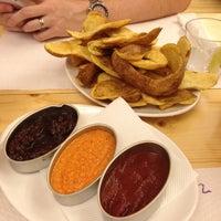 9/2/2012에 Camie T.님이 La Castanya Gourmet Burger에서 찍은 사진