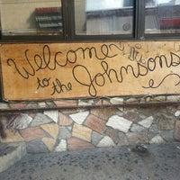 Foto tirada no(a) Welcome to the Johnsons por Raj B. em 7/15/2012