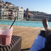 รูปภาพถ่ายที่ Piscina B-Hotel โดย Jean-marc O. เมื่อ 8/14/2012