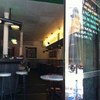 Foto tomada en Bar Llacuna por Fina E. el 6/12/2012