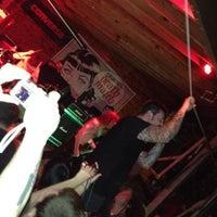 Das Foto wurde bei Scoot Inn von kenji r. am 3/17/2012 aufgenommen