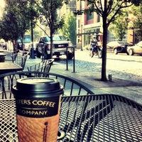 Снимок сделан в Sisters Coffee Company пользователем Mike M. 8/16/2012