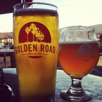 8/6/2012 tarihinde Lindsay W.ziyaretçi tarafından Golden Road Brewing'de çekilen fotoğraf