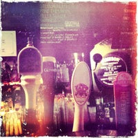 Das Foto wurde bei Casey's Irish Pub von Kayla J. am 3/18/2012 aufgenommen