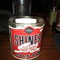 Photo prise au State & Allen Kitchen + Bar par Lane R. le4/21/2012