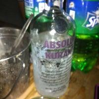 Foto diambil di Oasis Bar and Grill oleh Renz P. pada 6/30/2012