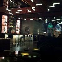 Снимок сделан в Mandarin Bar пользователем G .. 3/20/2012