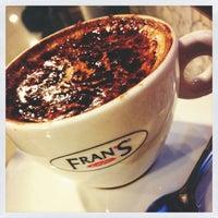 c78f8fe095d Foto tirada no(a) Fran amp  39 s Café por Luiza T ...