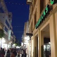Foto tirada no(a) Starbucks por Miranda em 4/29/2012