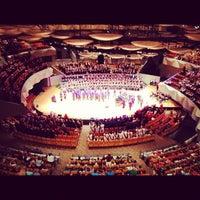 Снимок сделан в Boettcher Concert Hall пользователем Jay C. 7/10/2012