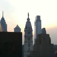 6/29/2012 tarihinde Sounun T.ziyaretçi tarafından Loews Philadelphia Hotel'de çekilen fotoğraf