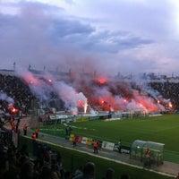 รูปภาพถ่ายที่ Toumba Stadium โดย Dionisis K. เมื่อ 5/10/2012