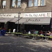 Das Foto wurde bei Dada Falafel von Din E. am 8/18/2012 aufgenommen