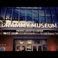 7/3/2012 tarihinde Andrew F.ziyaretçi tarafından The GRAMMY Museum'de çekilen fotoğraf