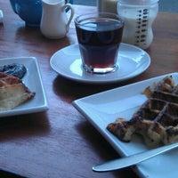 Снимок сделан в 108 Coffee House пользователем Andrew A. 2/25/2012