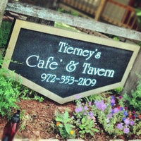 Foto diambil di Tierney's Cafe & Tavern oleh Jason Z. pada 5/25/2012