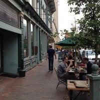 Foto tomada en Arbor Brewing Company por Jeremy el 8/16/2012