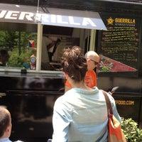 6/25/2012에 Stephanie L.님이 Guerrilla Street Food에서 찍은 사진