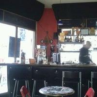 Foto scattata a Café 202 da Pri il 4/23/2012