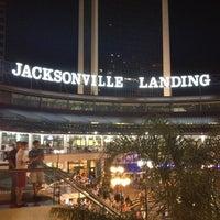 Das Foto wurde bei The Jacksonville Landing von Cory S. am 3/17/2012 aufgenommen