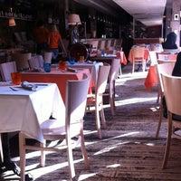 Das Foto wurde bei Cervetti von Nadia K. am 3/24/2012 aufgenommen