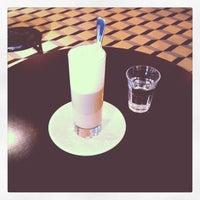 Photo prise au Adriano's Bar & Café par Tania Sade le8/31/2012