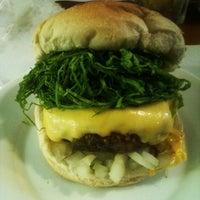 Photo prise au Royal Burger par Felipe S. le6/9/2012