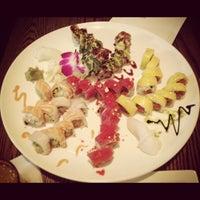 Foto tirada no(a) Natsumi por Cathy C. em 5/14/2012
