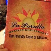 Foto tomada en La Parrilla Mexican Restaurant por Manjanath N. el 5/11/2012