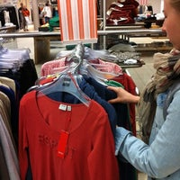 รูปภาพถ่ายที่ Sokos Wiklund โดย SMTNNKV เมื่อ 7/23/2012