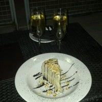 Foto scattata a The Keg Steakhouse + Bar da Jason S. il 6/15/2012