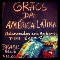 Foto tirada no(a) Starbucks por Luzciana C. em 6/3/2012