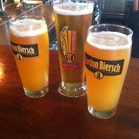 Foto tomada en Gordon Biersch Brewery Restaurant por Jessica F. el 8/2/2012