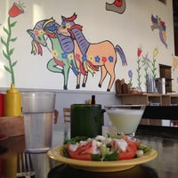 8/22/2012 tarihinde PDXHappyHour G.ziyaretçi tarafından Las Primas Peruvian Kitchen'de çekilen fotoğraf