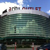 Foto scattata a ACity Premium Outlet da Metinol 💉 il 4/15/2012